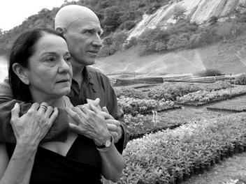 當代黑白影像紀實攝影大師薩爾卡多:攝影是平等的對待,拍下快門是生命熱情的驅使