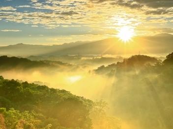 新竹 攝影 私房 景點 分享:三峰 日出 斜射光