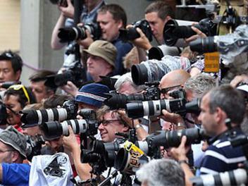 Pro Photogs Group:動態錄影師跟靜態攝影師工作時衝突該怎麼辦?
