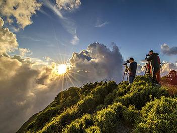 山岳攝影新手第一站:合歡山的高山杜鵑與秋雲冬雪