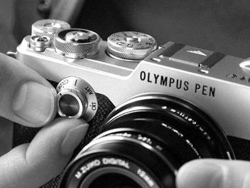 Olympus PEN-F 重現五十年歷史,搭載 2,000 萬畫素、 5 軸防震與 EVF 復古上市
