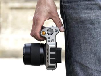 哈蘇正式發佈首款中片幅微單相機X1D
