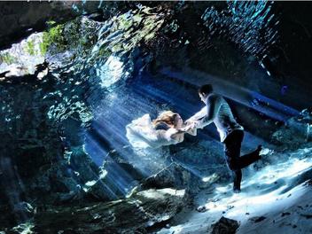 『攝影師』Pierre Violle的夢幻水中婚紗攝影