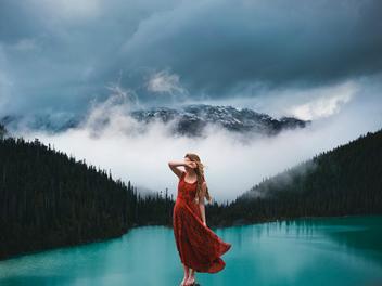 加拿大攝影師Elizabeth Gadd:人與自然完美結合的自拍照