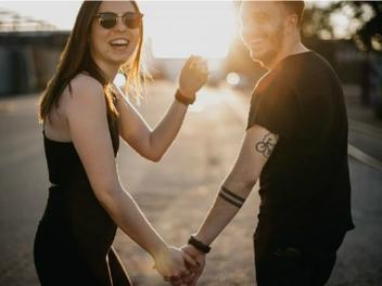 拍出浪漫甜蜜情侶照除了有被閃瞎的覺悟外,你還可以參考這5招!