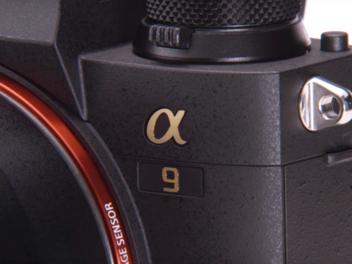 Sony 發表動態機皇 a9,具備 20fps 連拍、雙卡槽與 693 點對焦點,售價約台幣 14 萬元