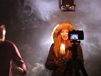 影棚攝影補光技巧:如何拍攝冷暖調交融的燭光人像