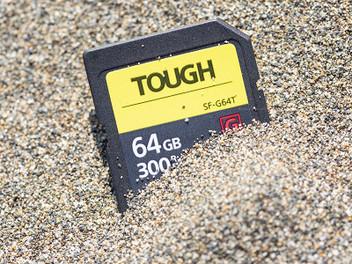 三防╳抗彎折╳超高速:Sony SF-G TOUGH UHS-II記憶卡實測分享