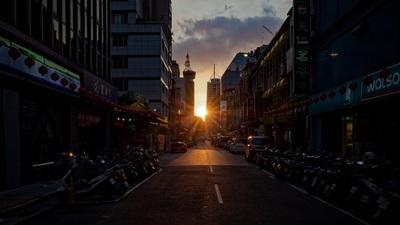 城市裡的夕陽