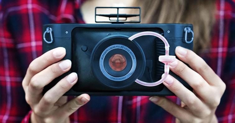 全球首款具有液體注入鏡頭,使用35 mm底片的全景相機:HydroChrome Sutton's Belair,建議售價 NT$2,880